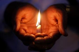 a-candlelight_vigil-1574466